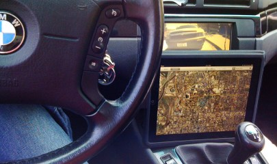 "Apple iPad as a ""carputer"" Photo: Flickr"