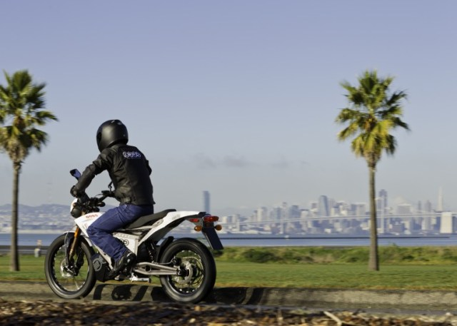 zero-motorcycle-xu-electric-removable-battery-0