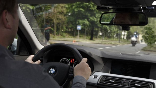 bmw-left-turn-assistant