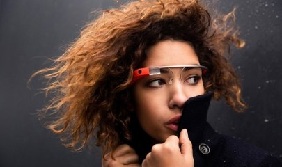 google-glass-model-mobilemag