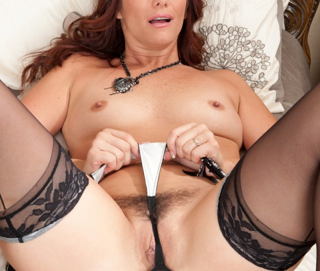 Horny Milf Has A Full Body Orgasm From The Pulsating Pleasure On Her Craving Pussy