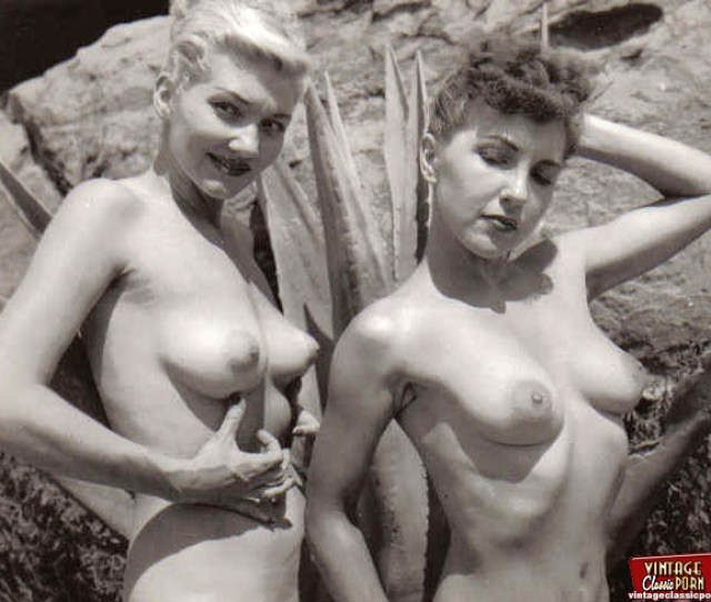 Hot And Vintage Cute Naked Ladies Pictures From The Fifties