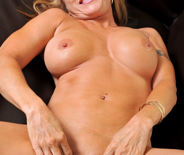 Glamorous Anilos Luna Has Incredible Huge Tits And A Thick Irresistible Ass And She Stuffs A