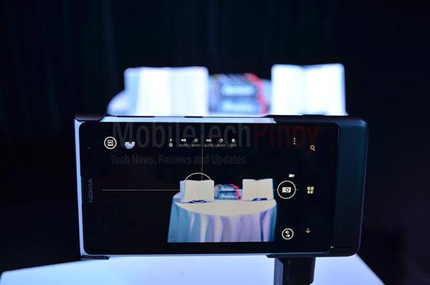 Nokia Lumia 1020 Book Shot No Zoom