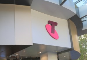 Telstra logo ss