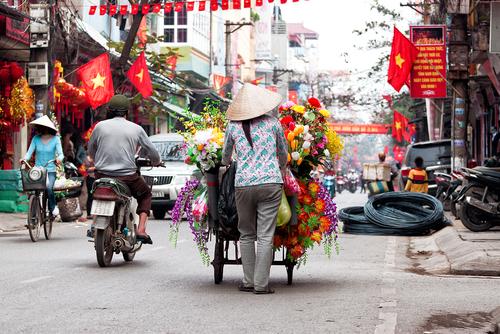 Vietnam operators set for mobile money trials