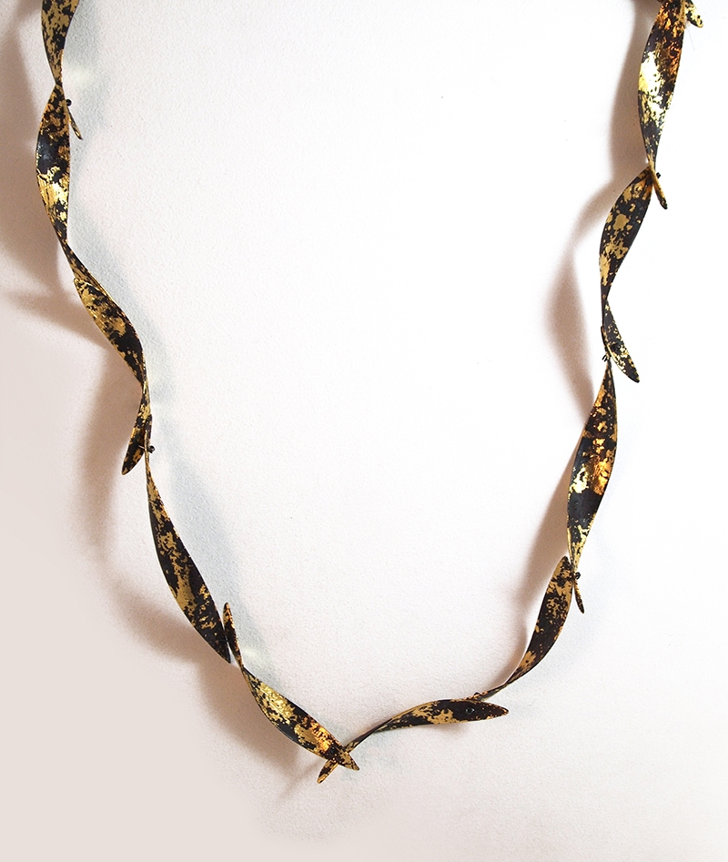 OdaM_Necklace_SnowNight_Gold_w.jpg