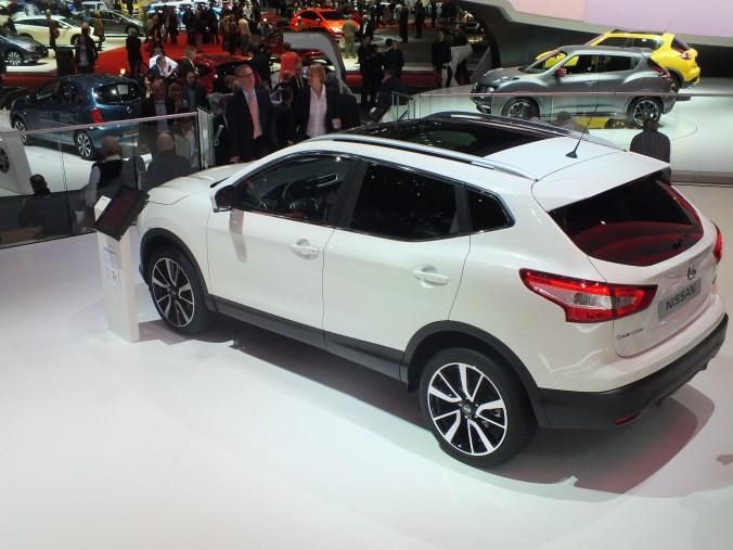 Nissan QASHQAI Blanc Genève 2014