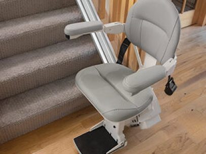 stair-lift-bruno-elite-straight-bottom-of-stairs-406x-304_2