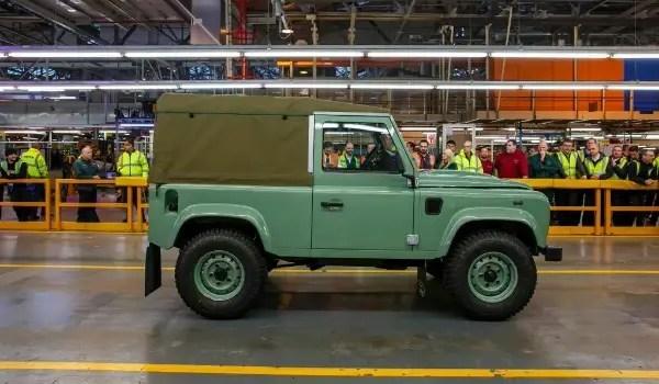 Land Rover Defender -lastside
