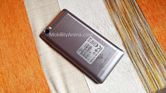 itel-it1516-plus-review-rear