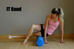 Foam Rolling IT Band Technique