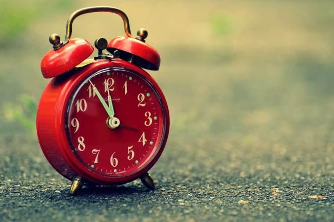 The 6 Best Alarm Clocks For Seniors In