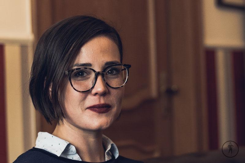 Rebecca im Portrait