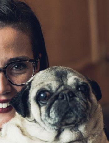 Rebecca die Tierliebhaberin mit meinem Mops Vinnie