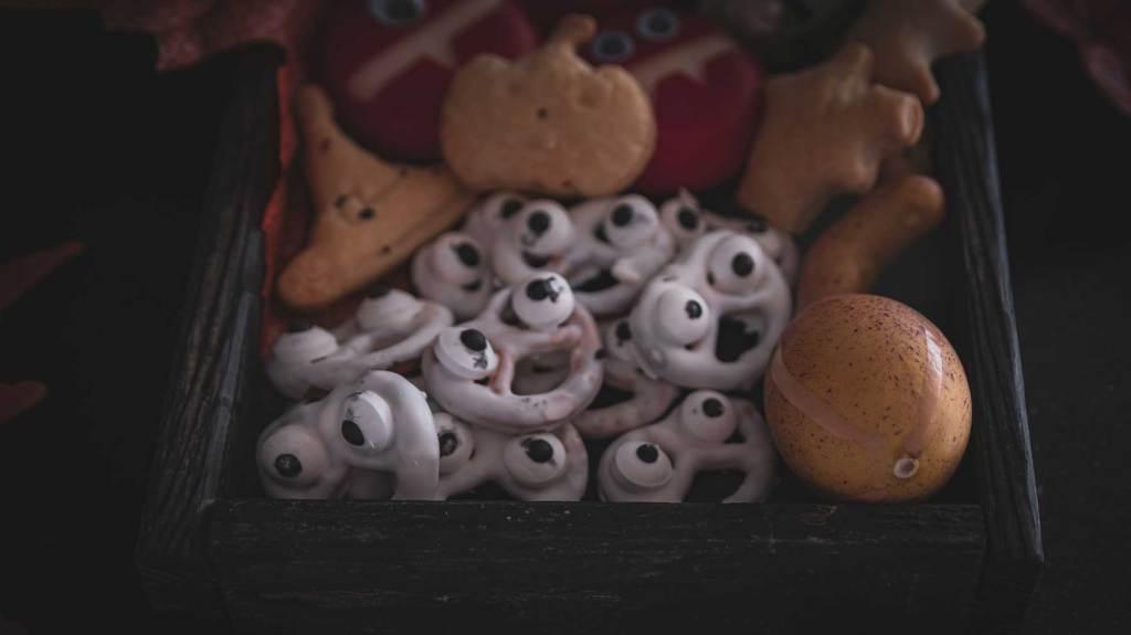 Geister Brezel Halloween Snack