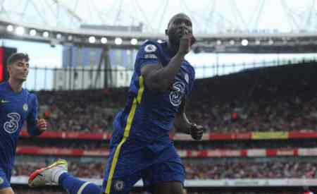 Romelu Lukaku labelled 'dull and functional' by former striker who insists Chelsea aren't to bla ...