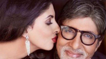 Amitabh Bachchan reveal that his daughter shweta bachchan was part of Sholay movie
