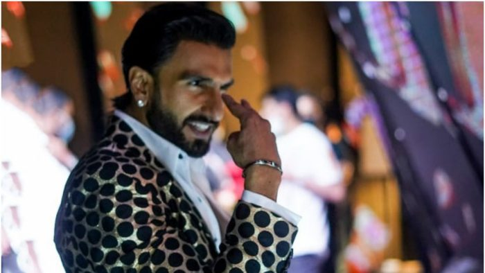 Ranveer singh will be seen with deepika padukone in the premiere episode of the big picture know ...