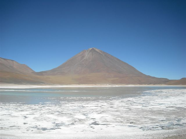 Lagunas Coloradas e Vulcão - Salar de Uyuni Bolívia