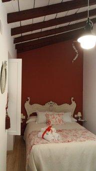 Patios-que-ver-en-Cordoba-San-Basilio-40-habitación-3