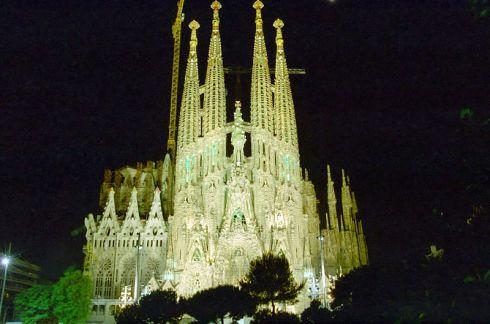 Trip to Barcelona La sagrada familia exterior
