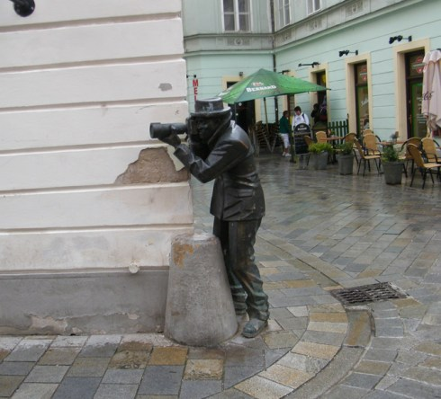 world's most unusual statues