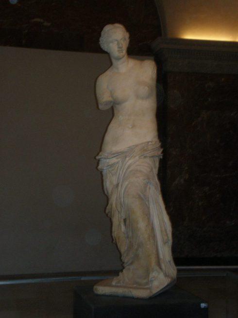 Louvre Museum famous sculptures