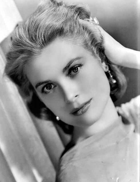 Black and White Photos of world's most beautiful women 8