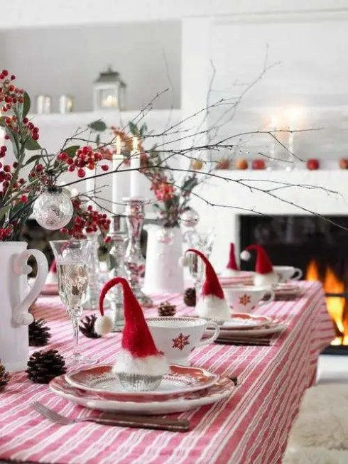 creative christmas table decor ideas  with pink red color 7