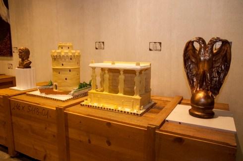 bizarre and weird museums, chocofactory 25