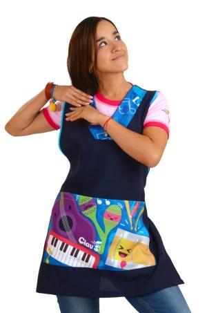 mandil para maestra con diseño de instrumentos musicales