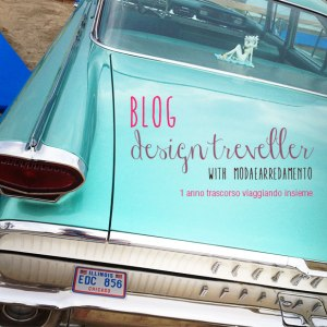 immagine di automobile vintage che viaggia