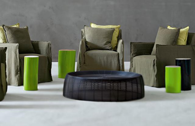 Gervasoni 1920 log stool colore verde e nero.