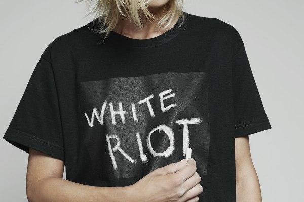Maglietta riscrivibile nera.