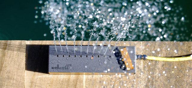 Well Well Doccia da pavimento per esterni, collegabile al tubo di acqua del giardino.