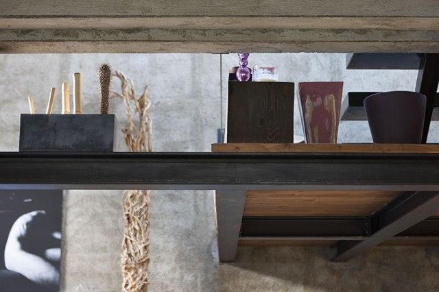 Il soffitto di una casa in stile factory: materiali e soluzioni.
