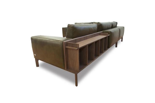 Doimo Salotti Place divano componible con accessori.