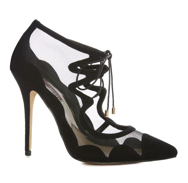 Zapatos: 25 euros