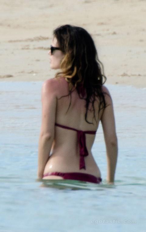 rachel-bilson-bikini-barbados-06
