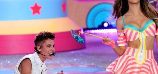 ab45082744 Justin Bieber con las top models de Victoria Secret