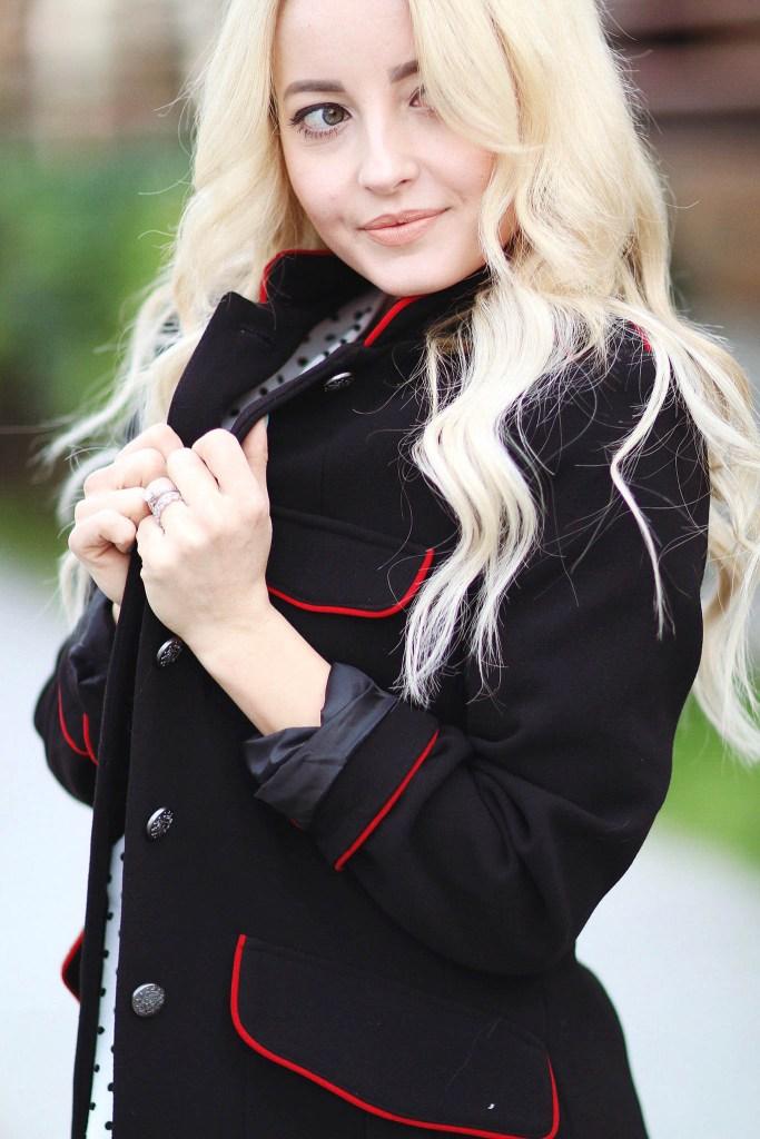 Alena Gidenko of modaprints.com shares her favorite military jacket