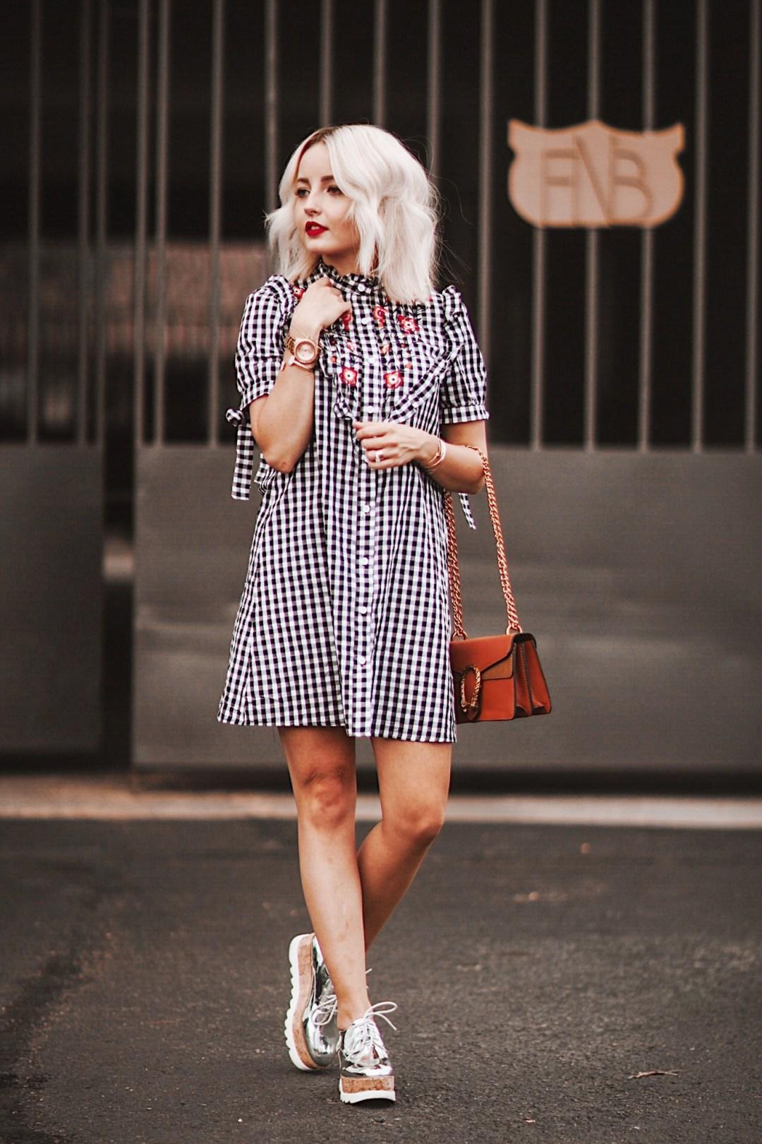 Alena Gidenko of modaprints.com styles a gingham with metalic shoes