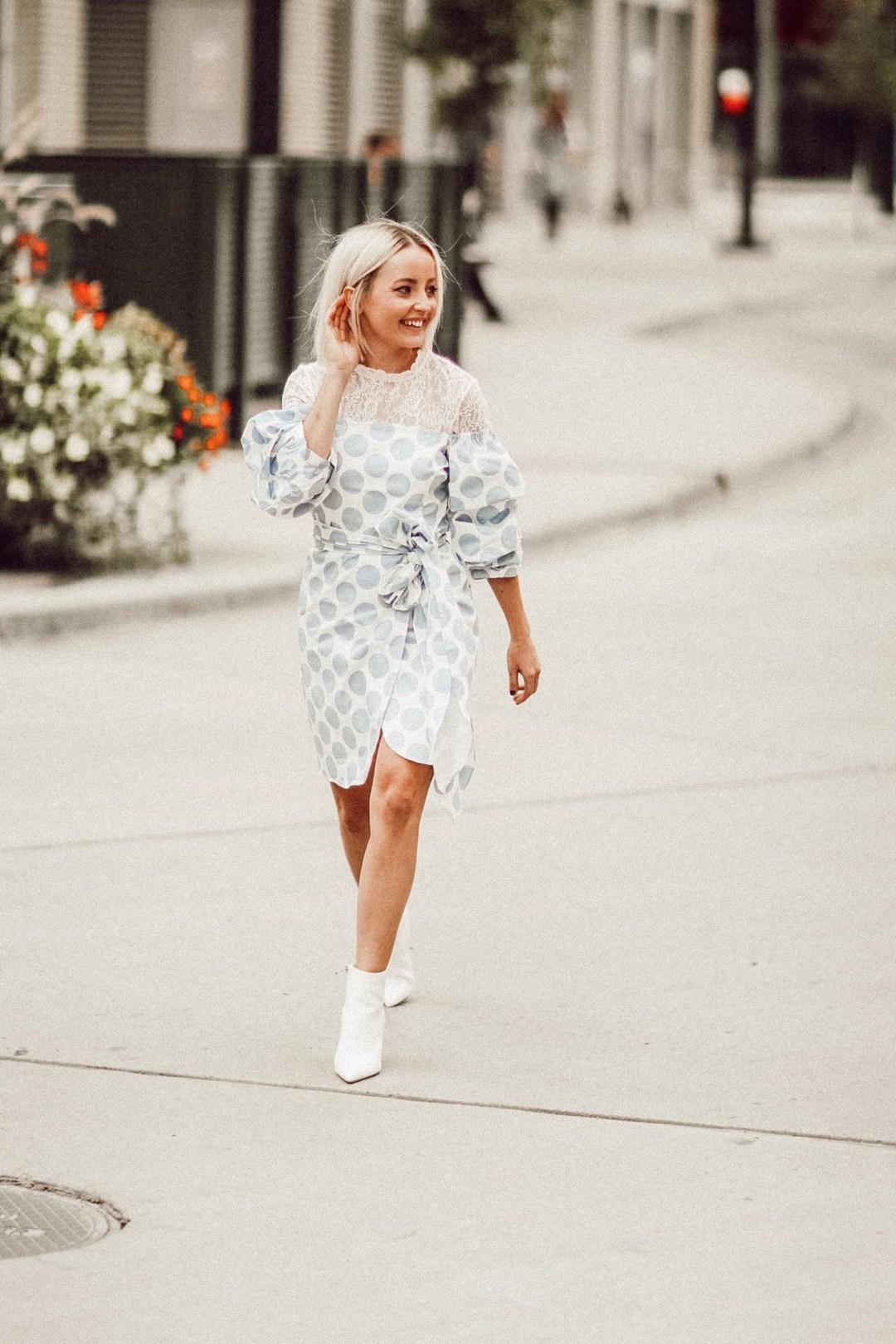 Alena Gidenko of modaprints.com shares her love for lace long sleeve tops
