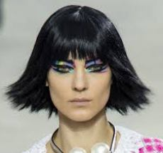 taglio_di_capelli_corto_alla_moda_dalle_passerelle_di_Chanel