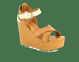 Seçili ürünlerde bir ayakkabı alana bir ayakkabı hediye kampanyası her yaşa ve her bütçeye hitabetmekte.