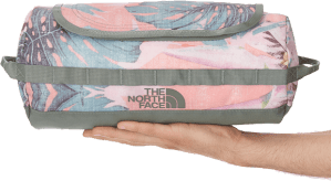 The North Face, ilkesi gereği çanta koleksiyonuyla herzaman hafiflikten ve fonsiyonellikten yana olmuştur.