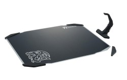 Tt eSPORTS DRACONEM Aluminum mouse pad provide attachable mouse bungee which can be put any of the 4 outer sides of the DRACONEM
