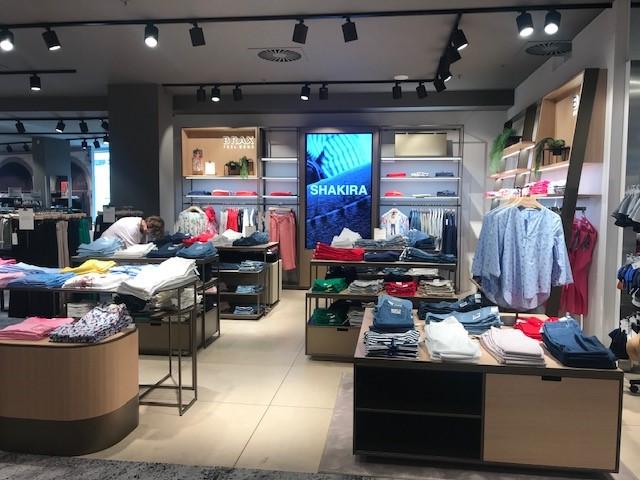 Neue Brax Shops in unserer Damen- und Herrenabteilung – jetzt entdecken!