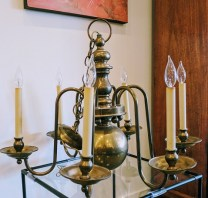 Chapman Chandelier. Approx. 35-40 years old. 6 lights. Brass. Includes chain. 750.-